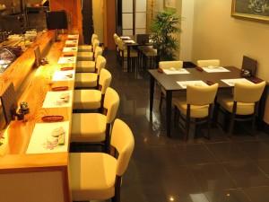 酒志 宴屋(すし えんや):入口側から店内